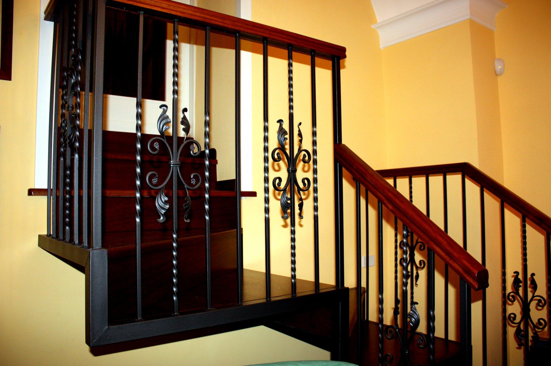 Scala interna in ferro e legno ab serramenti - Scala interna in ferro ...