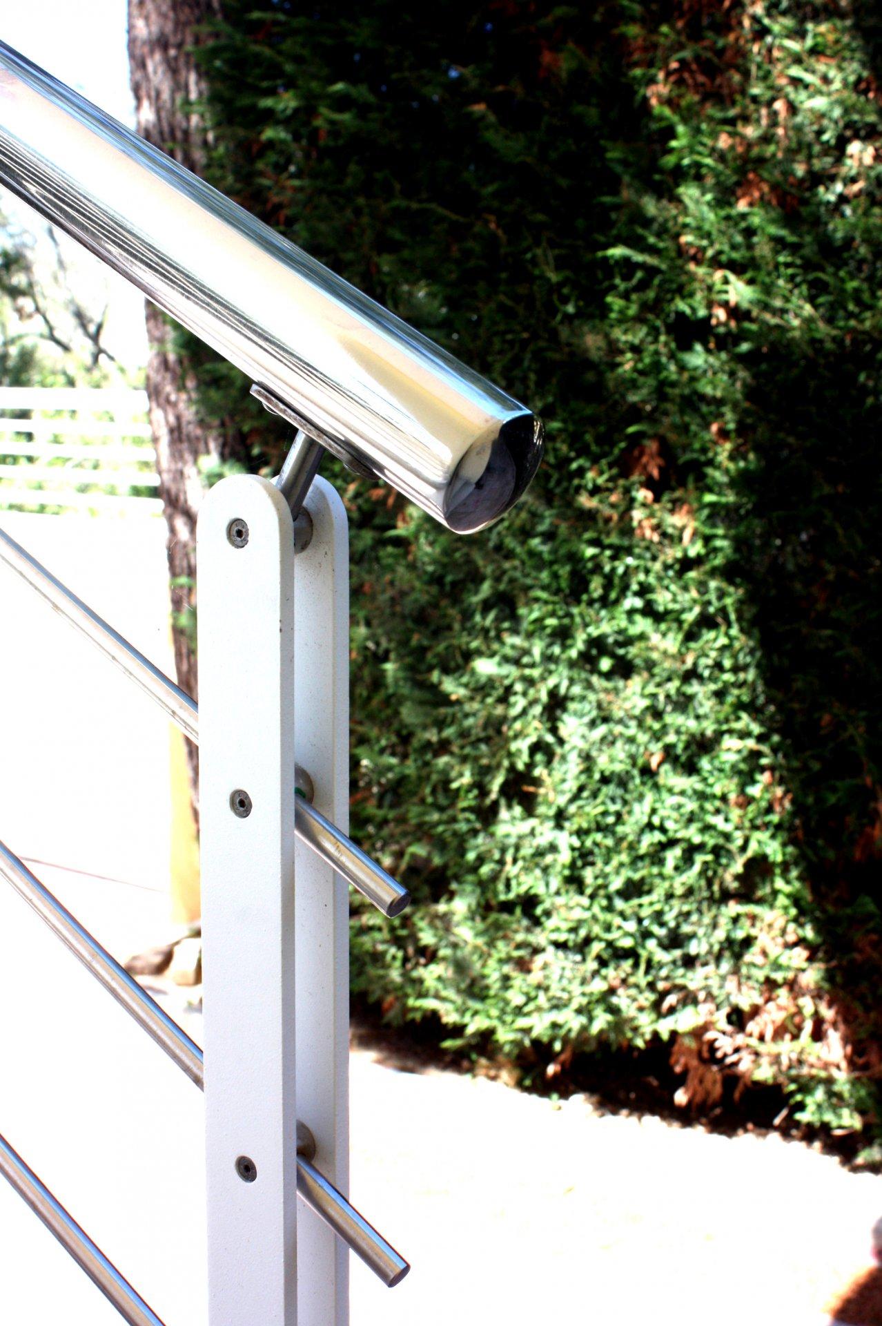 Ringhiera scala esterna in acciaio e ferro ab serramenti - Ringhiera scala esterna ...